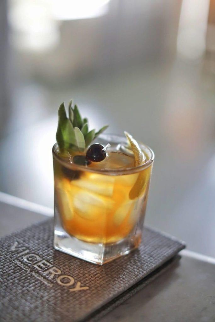 Meilleurs cocktails à base d'herbes fraîches pour l'automne