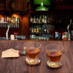 It's not too late for those forgotten gifts: ultra clear twist whisky glasses